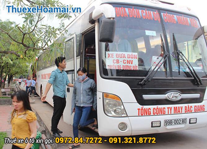 Thuê xe Hoa Mai phục vụ đưa đón công nhân viên cho các khu Công Nghiệp